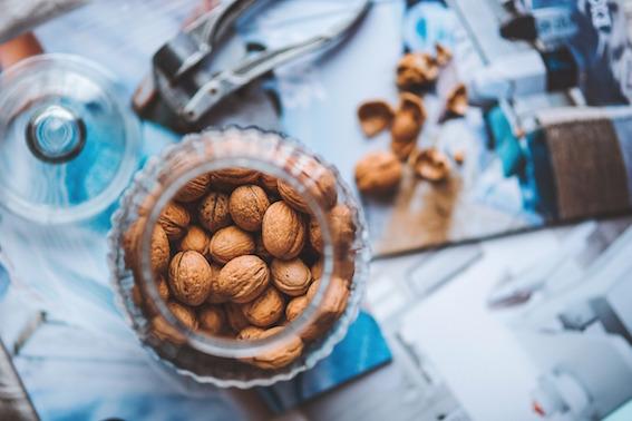 Noci-Contro-Invecchiamento I 5 alimenti contro l'invecchiamento