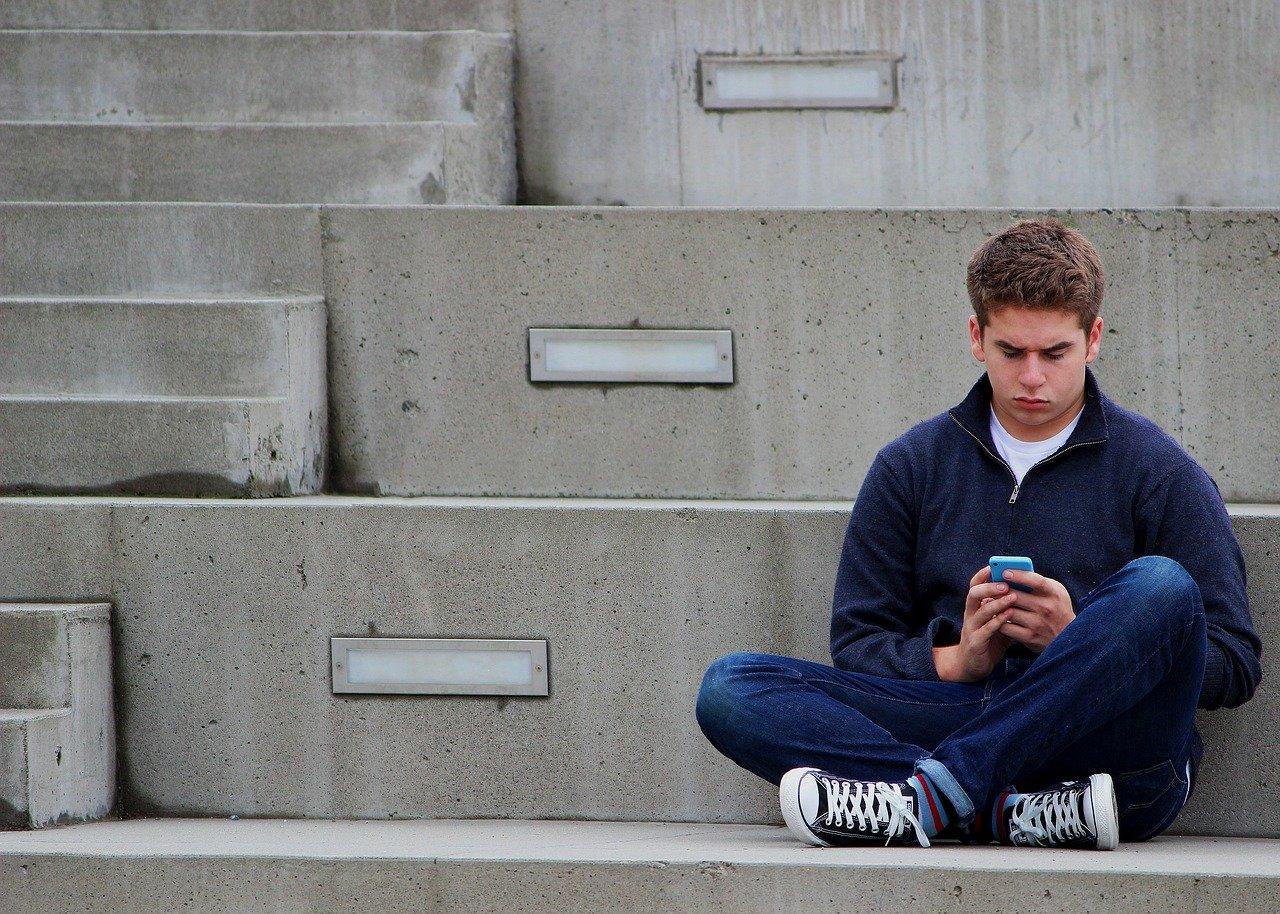 Come-Costruire-il-Dialogo-con-gli-Adolescenti Come costruire il dialogo con i figli adolescenti