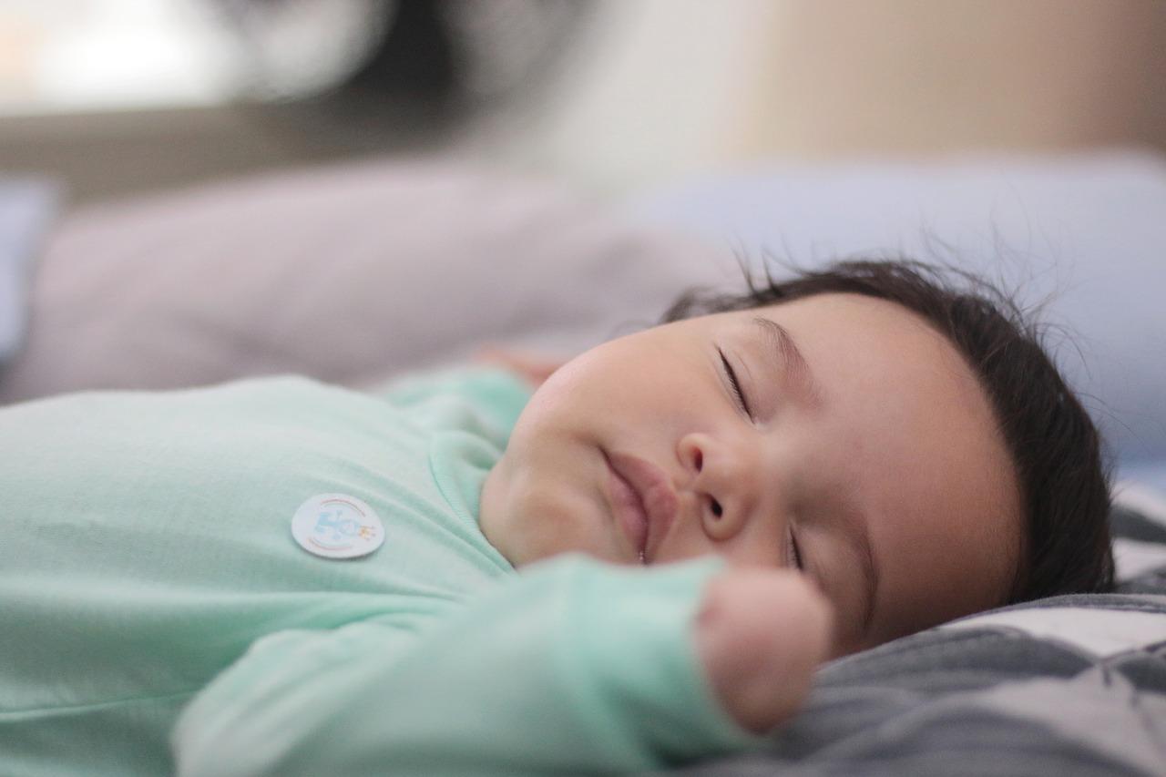 Perche-i-Neonati-non-Dormono-di-Notte-Rimedi Perché i neonati non dormono di notte?
