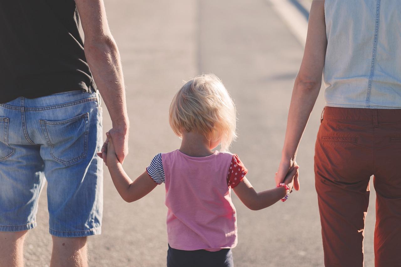 Come-i-Genitori-Adottivi-Affrontano-i-Problemi-in-Famiglia-Senza-Litigare Come i genitori adottivi affrontano i problemi in famiglia?
