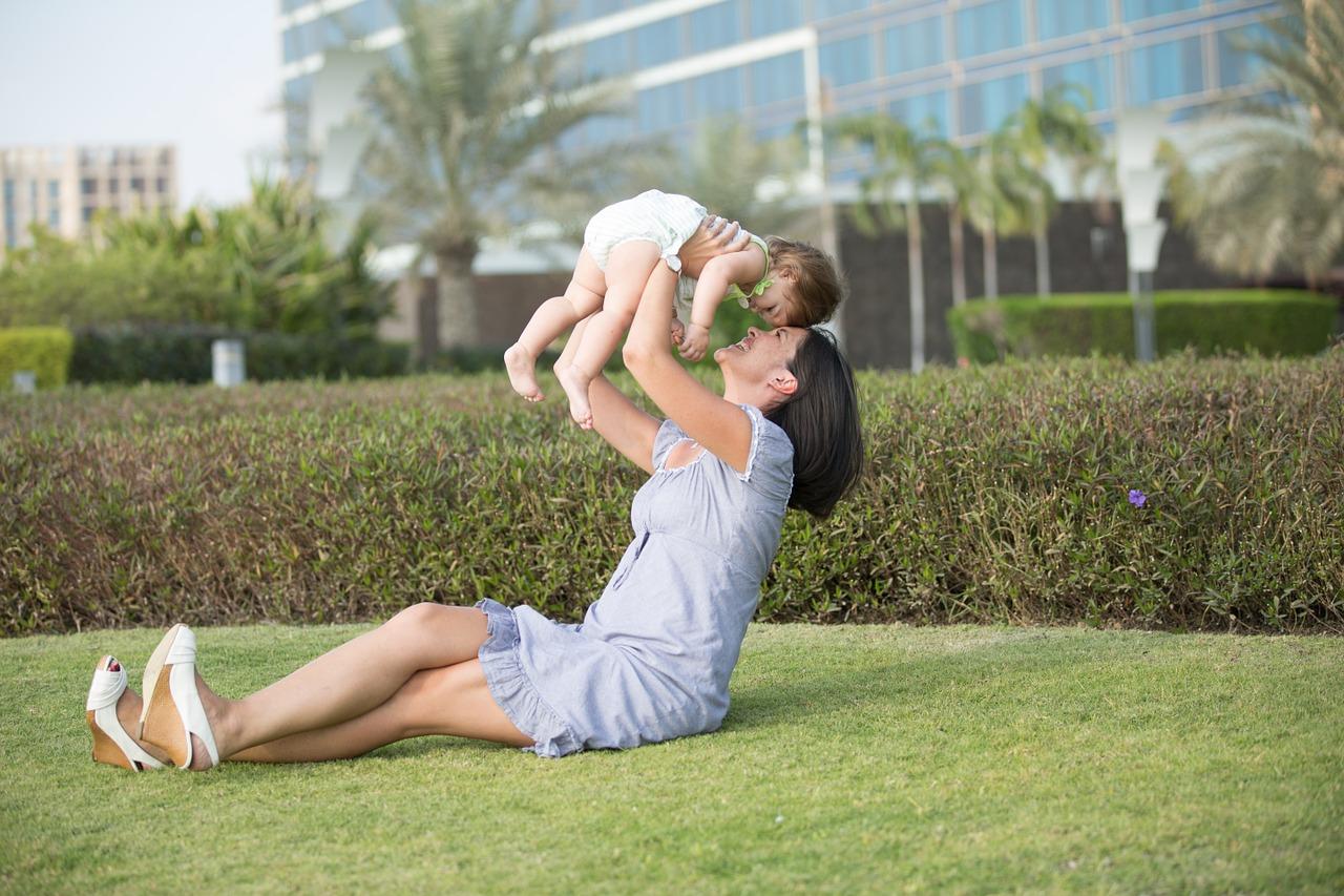 Come-i-Genitori-Adottivi-Affrontano-i-Problemi-in-Famiglia-con-i-Figli Come i genitori adottivi affrontano i problemi in famiglia?
