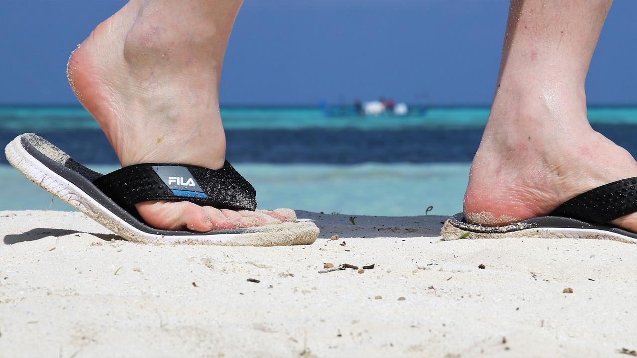 Come-Combattere-i-Piedi-Gonfi-negli-Anziani-con-Patologie Come combattere i piedi gonfi negli anziani