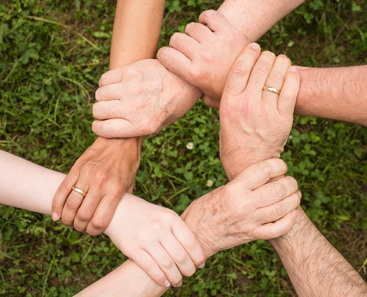 Come-Curare-Igiene-Personale-di-un-Anziano-Non-Autosufficiente-in-Casa Come curare l'igiene personale di un anziano non autosufficiente