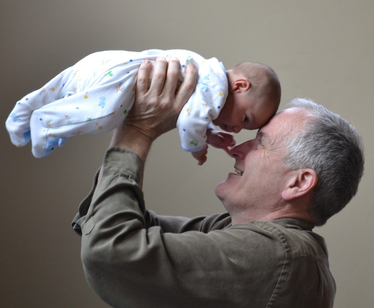 Nonni-Baby-Sitter I nonni Baby Sitter: ecco come aiutano le famiglie