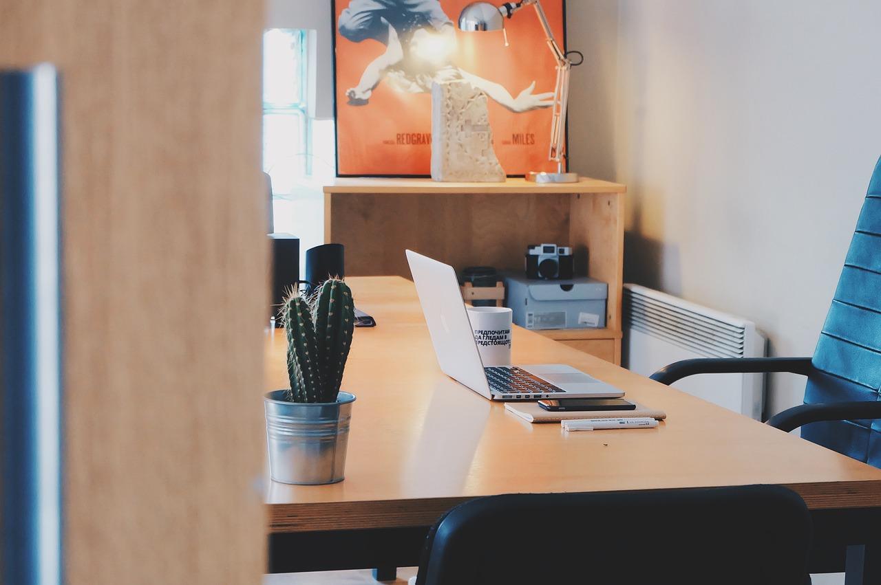 Come-Lavorare-Bene-in-Casa-e-Stare-Meglio Come lavorare bene da casa e stare meglio?