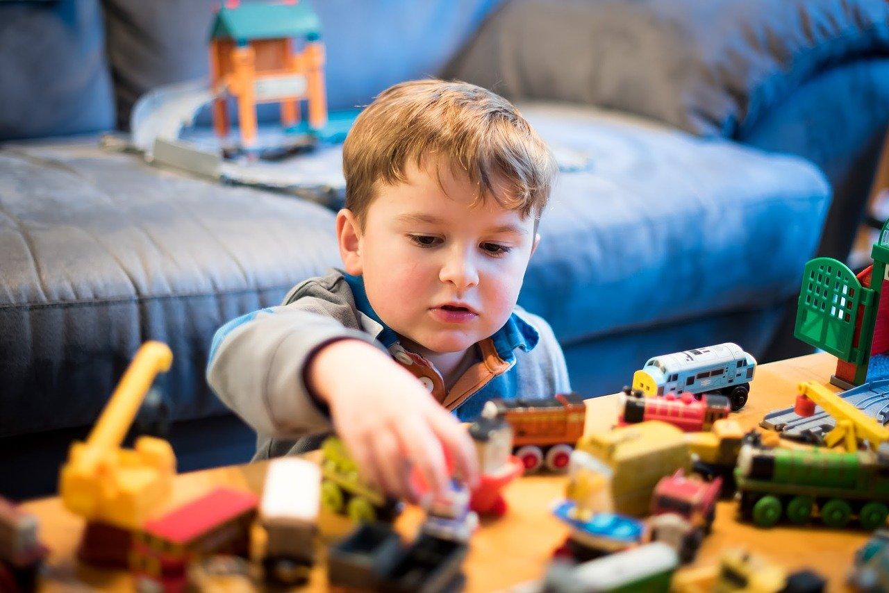 Come-Trascorrere-il-Tempo-a-Casa-con-i-Bambini-di-Giorno Come trascorrere il tempo a casa con i bambini