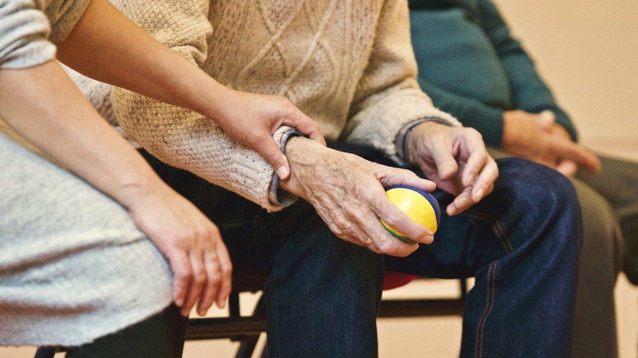 Come-Diventare-Assistente-per-gli-Anziani-Corso Come diventare Assistente per gli anziani