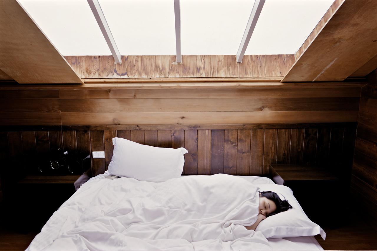 Quanto-Devono-Dormire-gli-Anziani-di-Giorno Quanto devono dormire gli anziani?