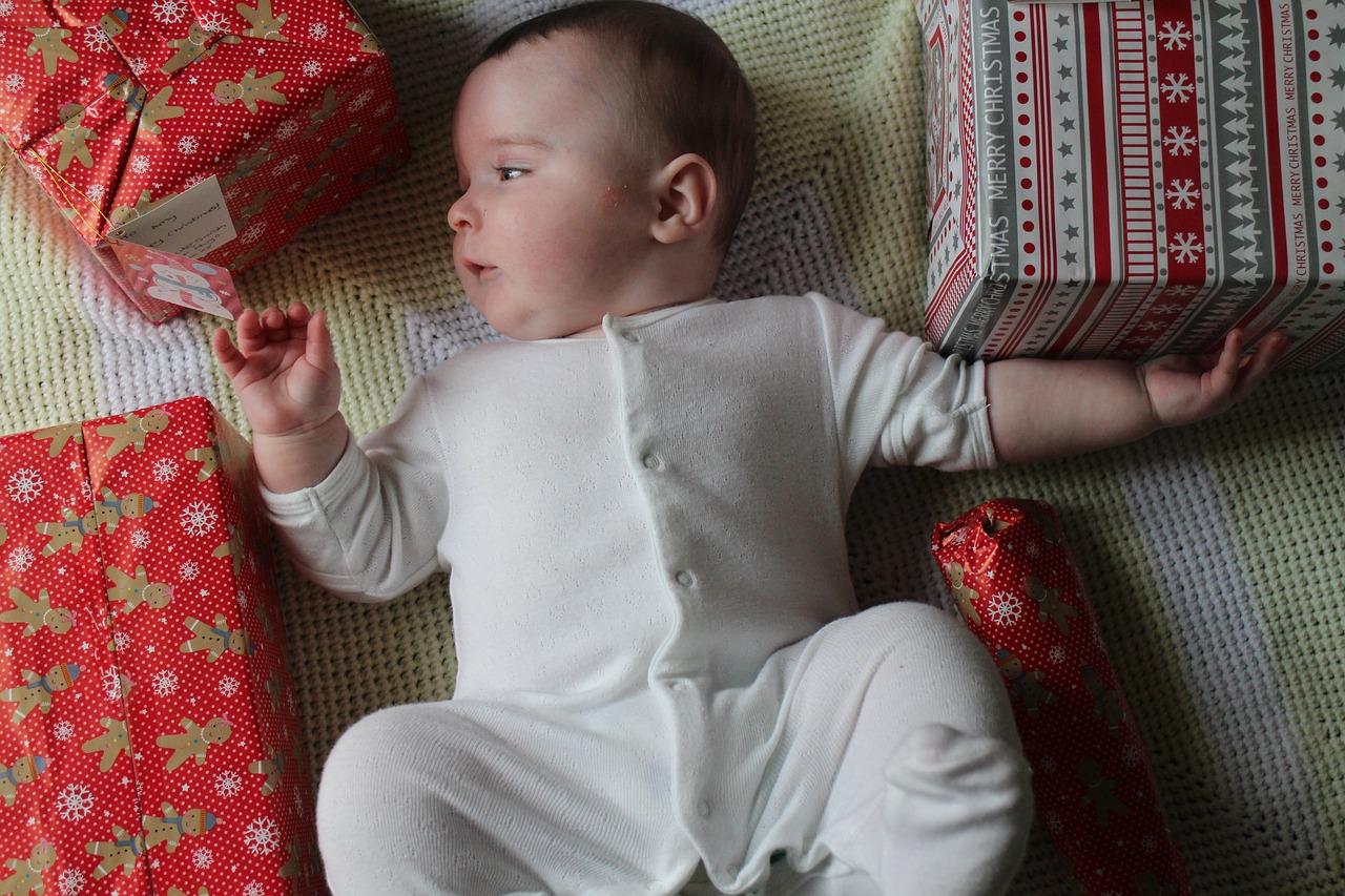 Come-Scegliere-i-Regali-di-Natale-per-Neonati Come scegliere i regali di Natale per bambini