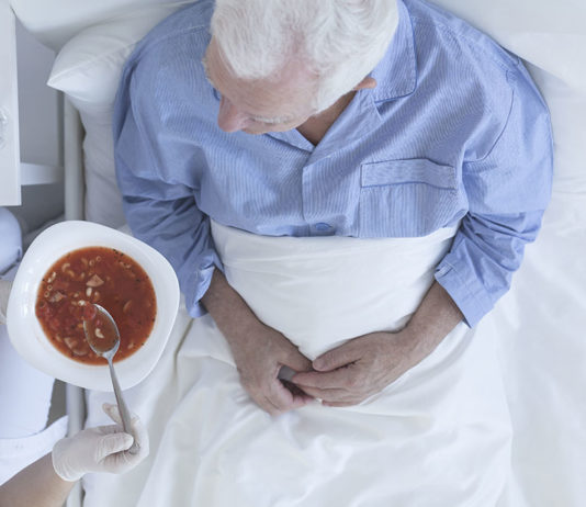 Alimentazione per anziani allettati: alcuni consigli