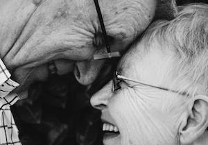 per-gli-anziani-soli-arriva-la-badante-di-condominio