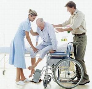 alzare gli anziani allettati