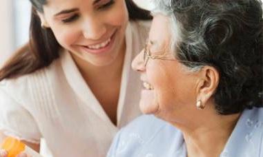 come fare accettare la badante ad un anziano