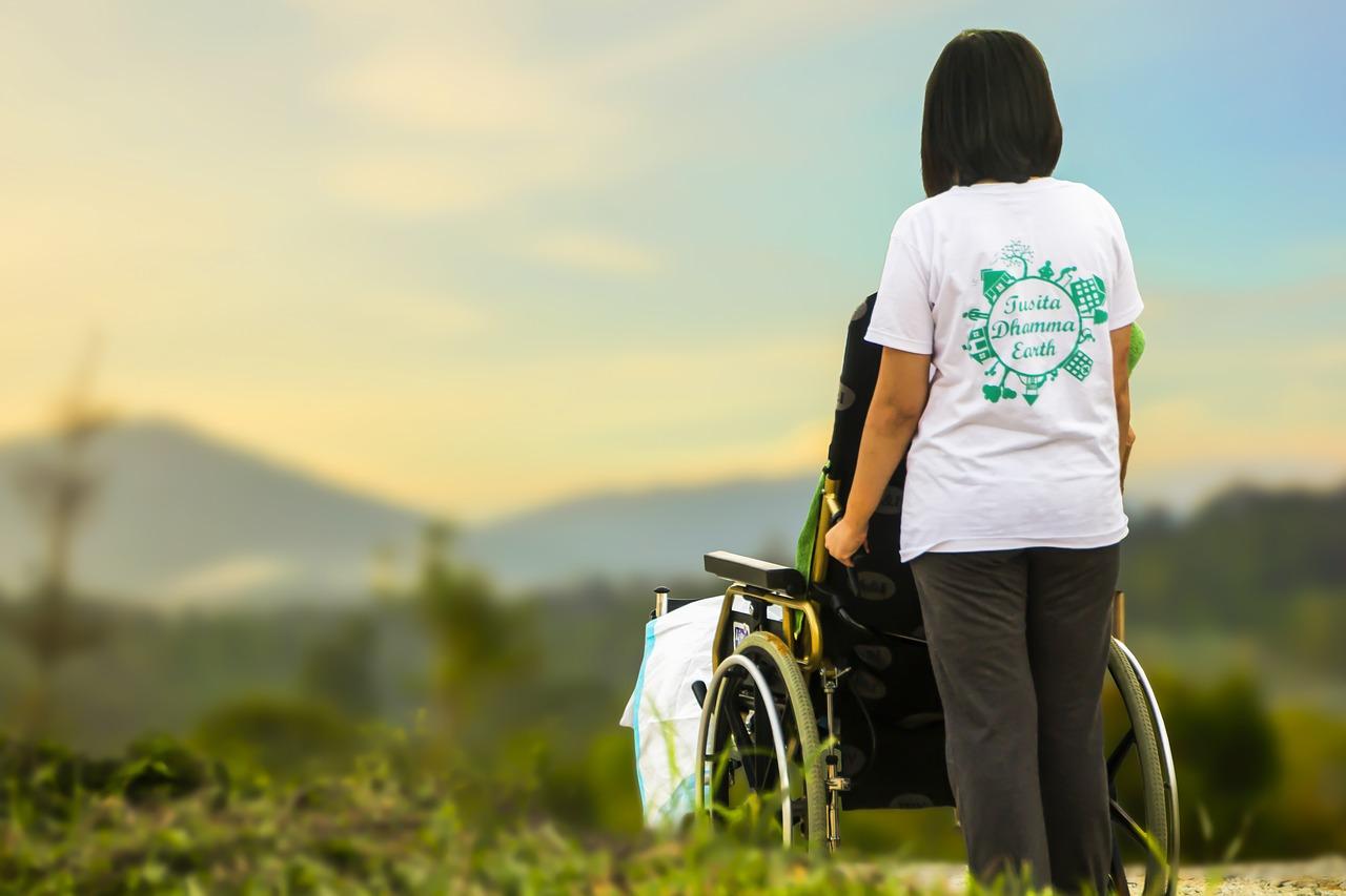 Lavorare-con-i-Disabili-Senza-Laurea Si può lavorare con i disabili, senza laurea?
