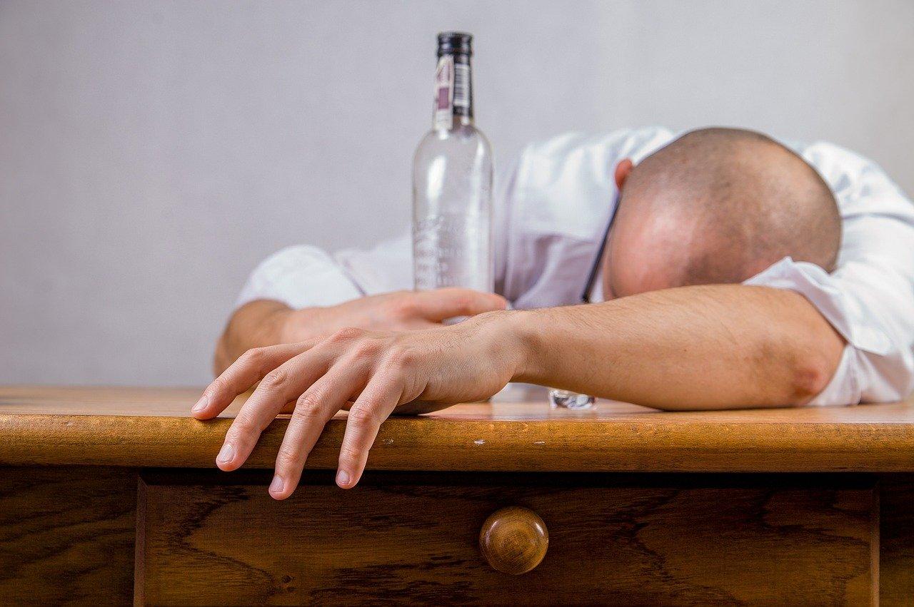 Dipendenze-da-Alcol-e-Covid Il problema delle dipendenze durante il Covid