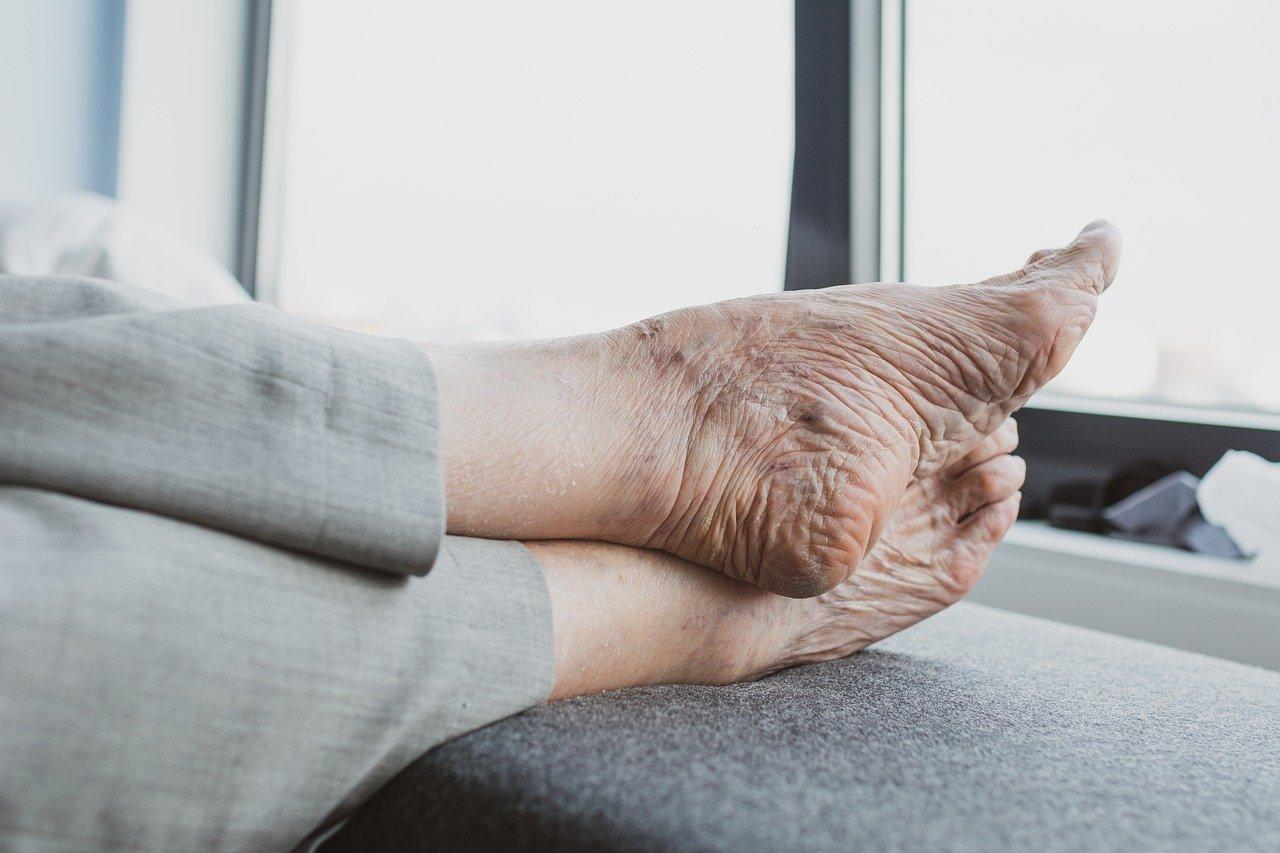 Gestire-un-Anziano-Allettato Come assistere un anziano allettato?